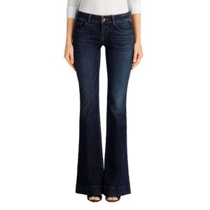 NWT J BRAND MESMERIC LOVE STORY LOW RISE JEANS 24